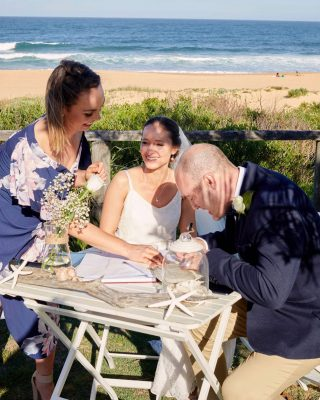 Nothing beats a ceremony by the sea 💞 ⠀⠀⠀⠀⠀⠀⠀⠀⠀ Amy and Justin sealing the deal at Narrabeen Beach.  ⠀⠀⠀⠀⠀⠀⠀⠀⠀ It can be a little overwhelming at times planning a wedding but I'm here for you every step of the way. We will plan and prepare for an incredible ceremony. A NOIM? What's that? How many certificates are there? Leave the paperwork to me. I got cha covered 😘 ⠀⠀⠀⠀⠀⠀⠀⠀⠀  #georgiafletchercelebrant #celebrant #northernbeaches #northernbeachesweddings #sydneycelebrant #weddingceremony  #weddingvendor #marriagecelebrant #marriagecelebrantsydney #instawedding #vows #sydneywedding